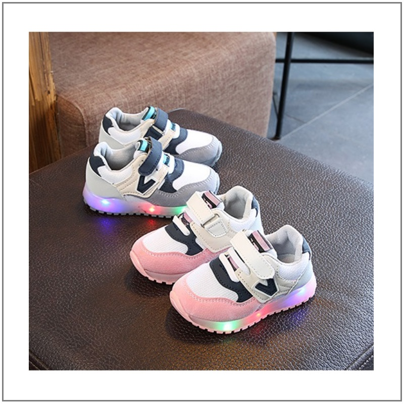 Dětské svítící boty / K02-00004