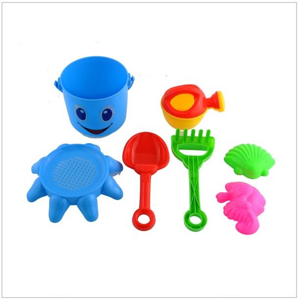 Dětský set hraček na písek (7 ks)