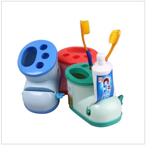 Multifinkční držák na zubní pastu a kartáčky