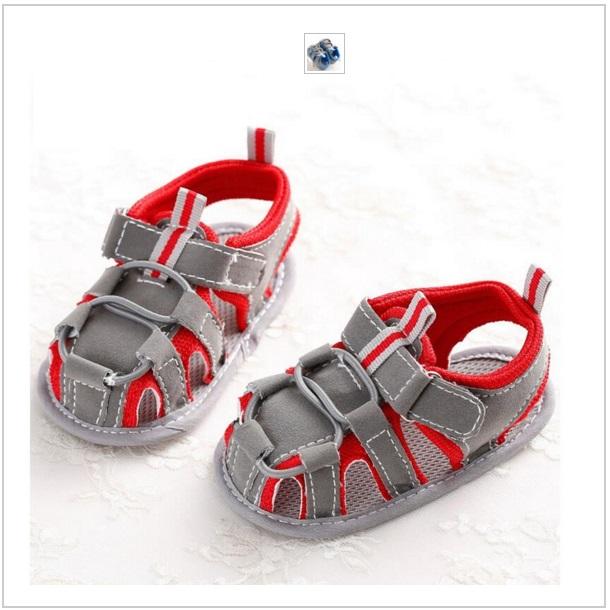 Dětské červené sandálky
