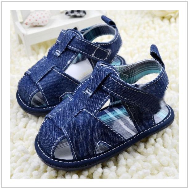 Dětské sandálky