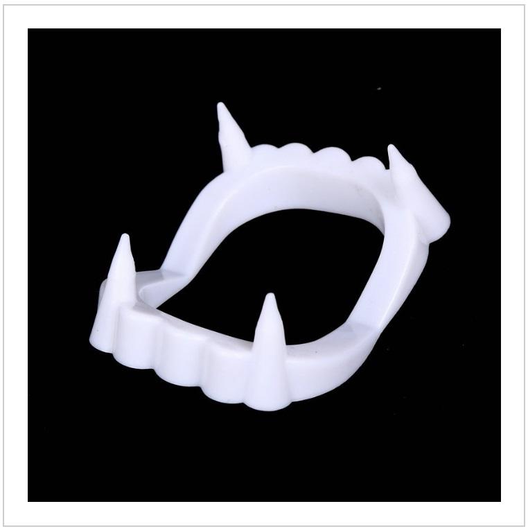 Hračka - Upíří zuby