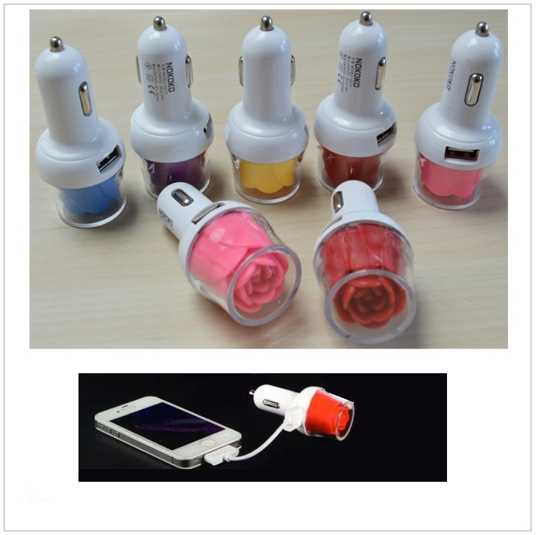 USB svítící autonabíječka - růže